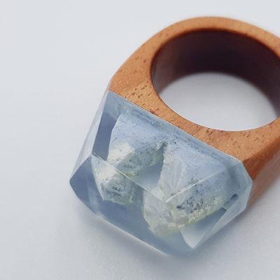δαχτυλίδι από υγρό γυαλί γαλάζιο