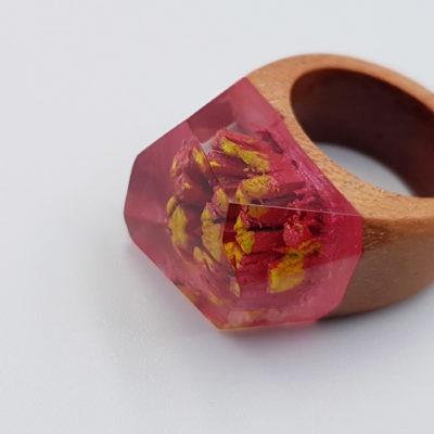 δαχτυλίδι από υγρό γυαλί κόκκινο και κίτρινο