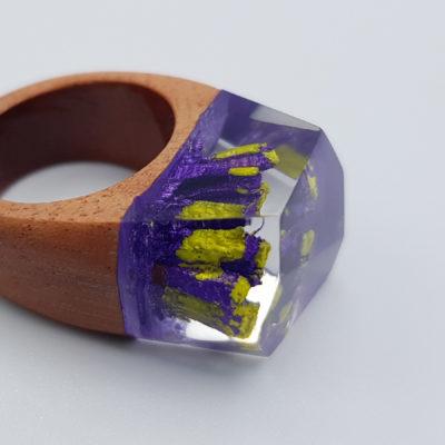 δαχτυλίδι από υγρό γυαλί μοβ και κίτρινο