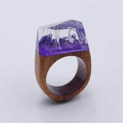 δαχτυλίδι ρητίνης μοβ με άσπρα κύματα