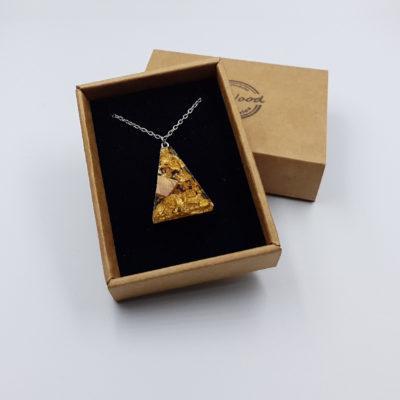 Κολιέ από υγρό γυαλί ανάποδο τρίγωνο με φύλλα χρυσού και ξύλο ελιάς μικρό