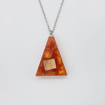 κολιέ ρητίνης ανάποδο τρίγωνο πορτοκαλί και ξύλο ελιάς μικρό