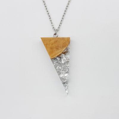 κολιέ ρητίνης τρίγωνο με φύλλα ασήμι και ξύλο ελιάς μεγάλο