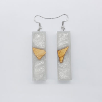 Resin earrings, straight in white color with olive wood