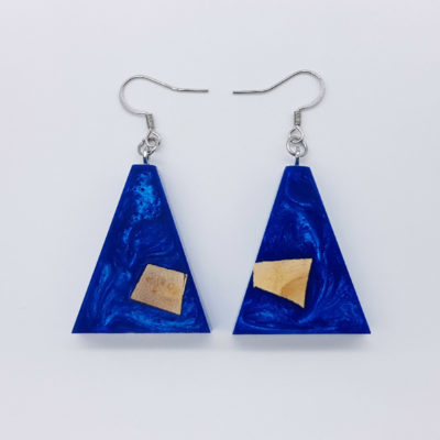 Resin earrings, inverted triangles in blue color with olive wood