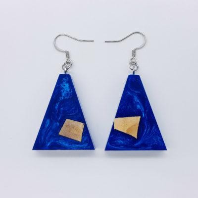 Σκουλαρίκια ρητίνης μπλε ανάποδο τρίγωνα με ξύλο ελιάς