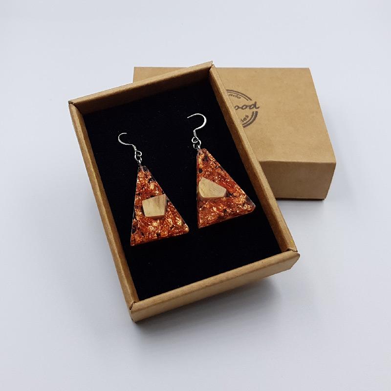 σκουλαρίκια από υγρό γυαλί ανάποδο τρίγωνο με φύλλα χαλκού και ξύλο ελιάς