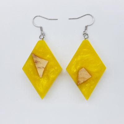 Σκουλαρίκια ρητίνης κίτρινα ρόμβος με ξύλο ελιάς