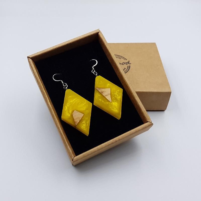 Σκουλαρίκια από υγρό γυαλί κίτρινα ρόμβος με ξύλο ελιάς