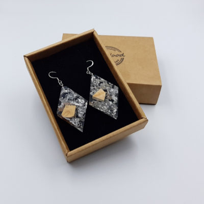 Resin earrings, rhombus with silver leaf and olive wood