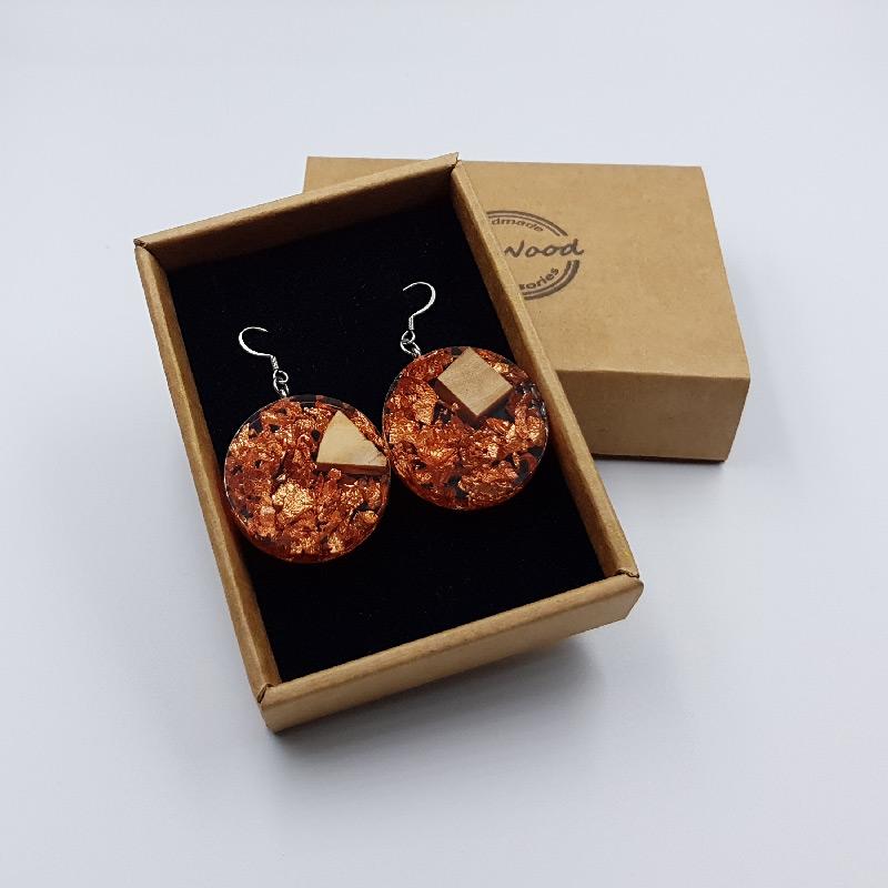 σκουλαρίκια από υγρό γυαλί στρογγυλά με φύλλα χαλκού και ξύλο ελιάς