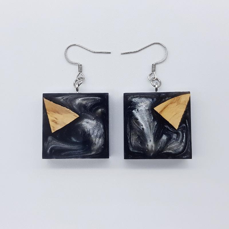 Σκουλαρίκια ρητίνης γκρι τετράγωνα με ξύλο ελιάς