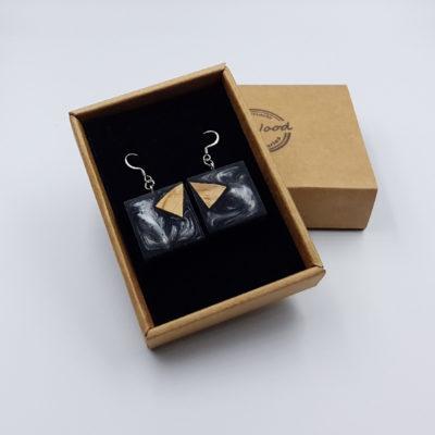 Σκουλαρίκια από υγρό γυαλί γκρι τετράγωνα με ξύλο ελιάς