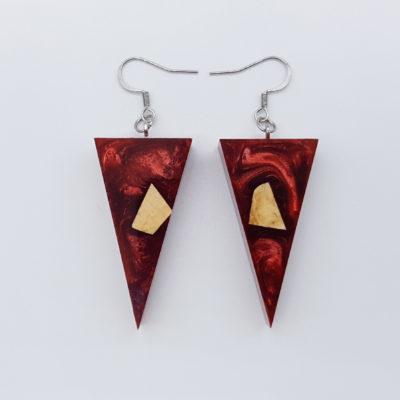 Σκουλαρίκια ρητίνης κόκκινα τρίγωνα με ξύλο ελιάς