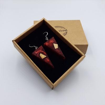 Σκουλαρίκια από υγρό γυαλί κόκκινα τρίγωνα με ξύλο ελιάς