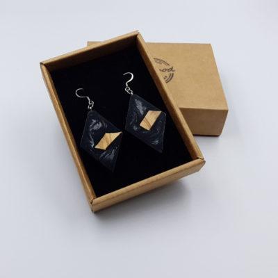Σκουλαρίκια από υγρό γυαλί μαύρα ρόμβος με ξύλο ελιάς