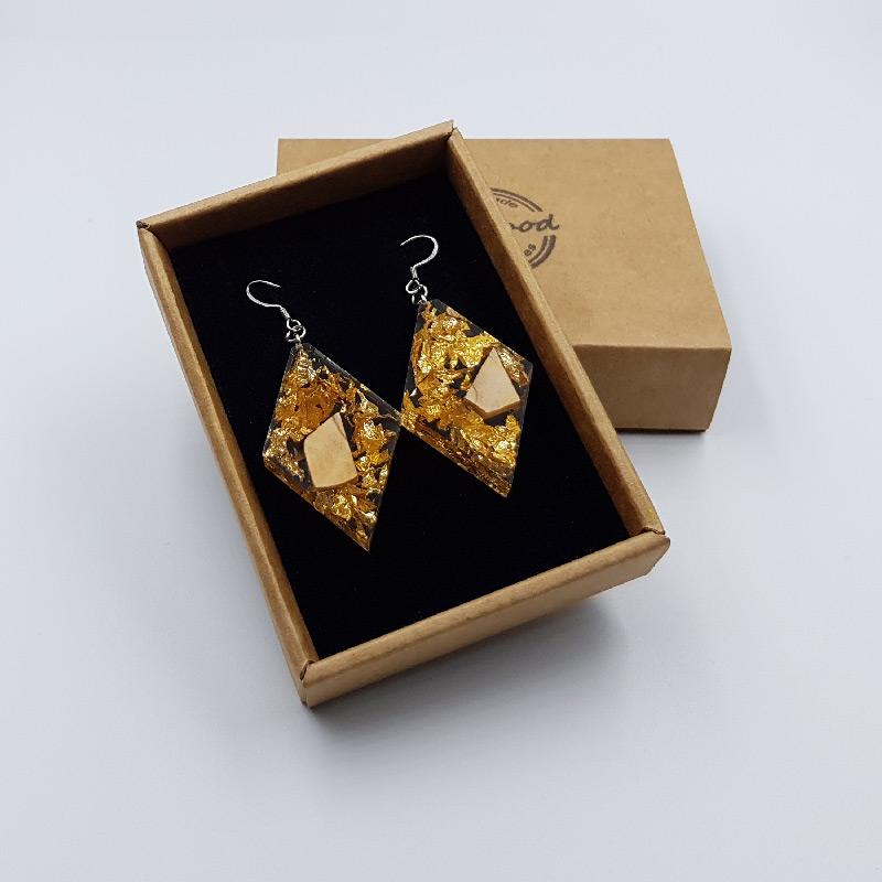 σκουλαρίκια από υγρό γυαλί ρόμβος με φύλλα χρυσού και ξύλο ελιάς