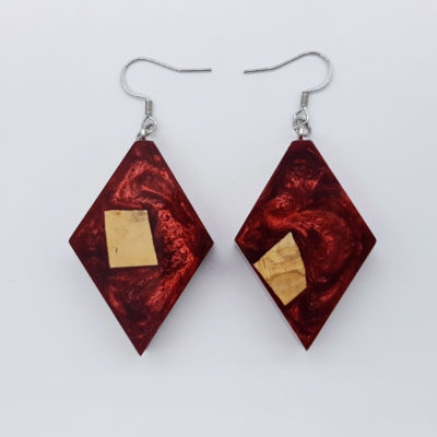 Resin earrings, rhombus in red color with olive wood
