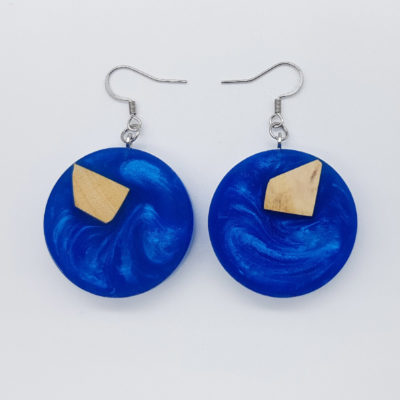 Resin earrings, rounds in blue color with olive wood