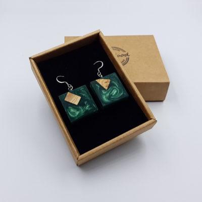 Σκουλαρίκια από υγρό γυαλί πράσινα τετράγωνα με ξύλο ελιάς
