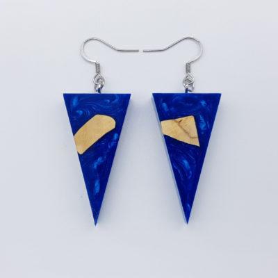 Σκουλαρίκια ρητίνης μπλε τρίγωνα με ξύλο ελιάς