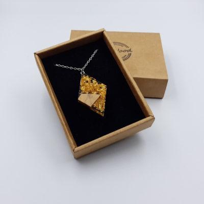 κολιέ από υγρό γυαλί ρόμβος με φύλλα χρυσού και ξύλο ελιάς μικρό