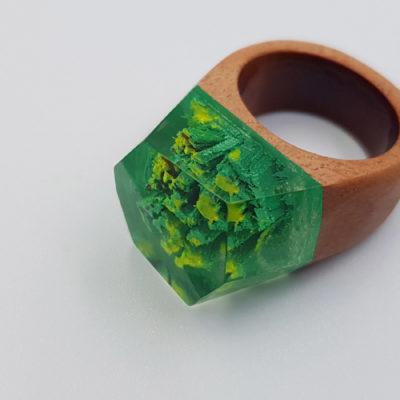 δαχτυλίδι από υγρό γυαλί πράσινο και κίτρινο