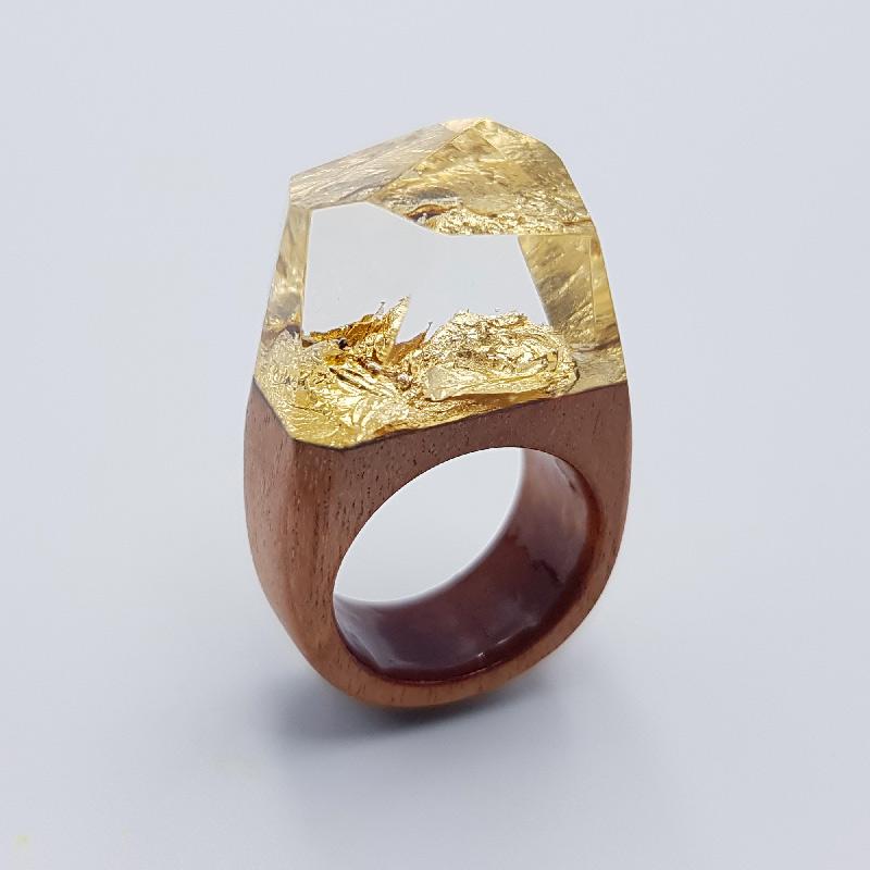 δαχτυλίδι ρητίνης με φύλλα χρυσού