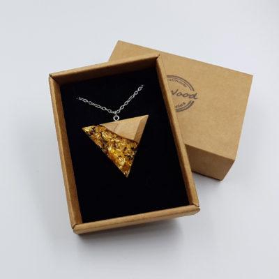 κολιέ υγρό γυαλί τρίγωνο με φύλλα χρυσού και ξύλο ελιάς μεγάλο
