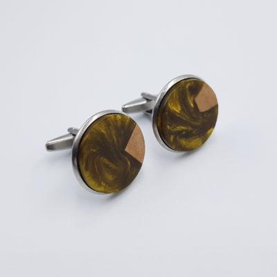 Μανικετόκουμπα ρητίνης χρυσά με ξύλο ελιάς