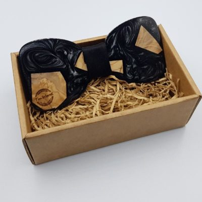 Resin bow tie in black with  wood