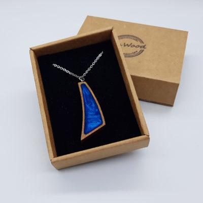 κολιέ από υγρό γυαλί ορθογώνιο άνισο μπλε και ξύλινο πλαίσιο μικρό