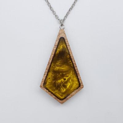 κολιέ ρητίνης τριγωνικός ρόμβος χρυσό και ξύλινο πλαίσιο μικρό