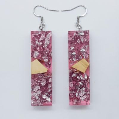 σκουλαρίκια ρητίνης ίσια ,διάφανα. ροζ με φύλλα ασήμι και ξύλο ελιάς