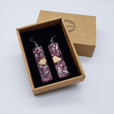 σκουλαρίκια από υγρό γυαλί ίσια ,διάφανα. ροζ με φύλλα ασήμι και ξύλο ελιάς