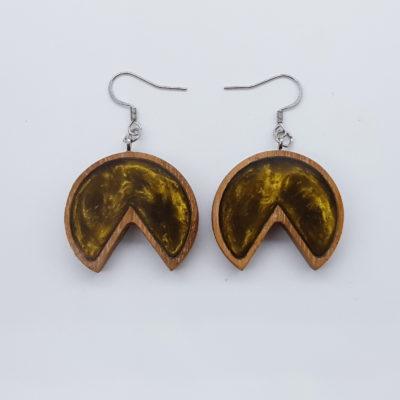 Σκουλαρίκια ρητίνης χρυσά στρόγγυλο με εσοχή με ξύλινο πλαίσιο