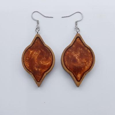 Σκουλαρίκια ρητίνης πορτοκαλί στρόγγυλο με μύτες με ξύλινο πλαίσιο