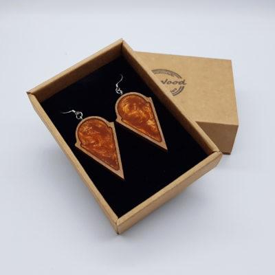 Σκουλαρίκια από υγρό γυαλί πορτοκαλί στρογγυλό με τρίγωνο με ξύλινο πλαίσιο