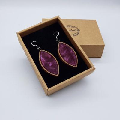 Σκουλαρίκια από υγρό γυαλί μοβ φύλλο με ξύλινο πλαίσιο