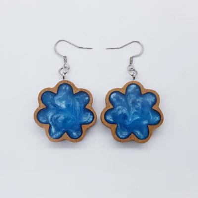 Σκουλαρίκια ρητίνης γαλάζια λουλούδι με ξύλινο πλαίσιο