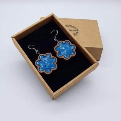 Σκουλαρίκια από υγρό γυαλί γαλάζια λουλούδι με ξύλινο πλαίσιο
