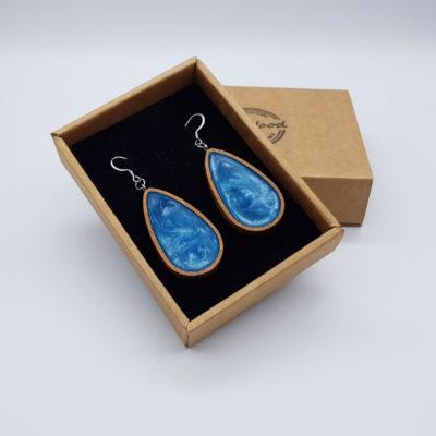 Σκουλαρίκια από υγρό γυαλί γαλάζια σταγόνα με ξύλινο πλαίσιο