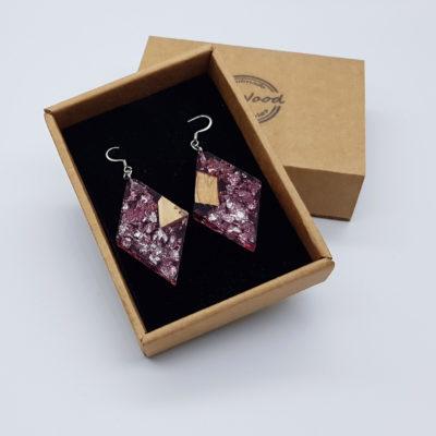 σκουλαρίκια από υγρό γυαλί ρόμβος ,διάφανα. ροζ με φύλλα ασήμι και ξύλο ελιάς