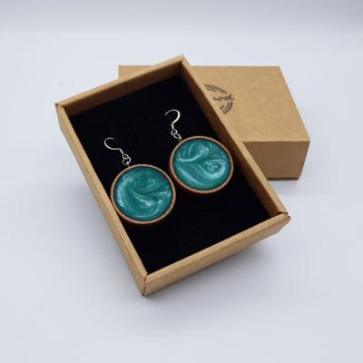 Σκουλαρίκια από υγρό γυαλί τιρκουάζ στρογγυλό με ξύλινο πλαίσιο