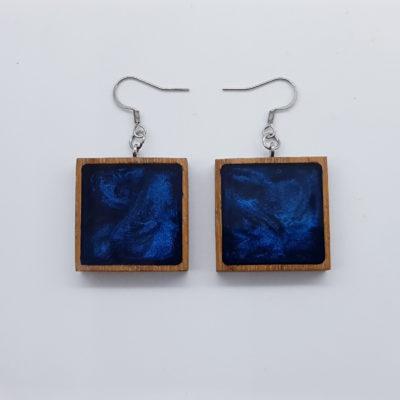 Σκουλαρίκια ρητίνης σκούρο μπλε τετράγωνο με ξύλινο πλαίσιο