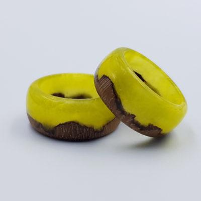 δαχτυλίδι από υγρό γυαλί κίτρινο